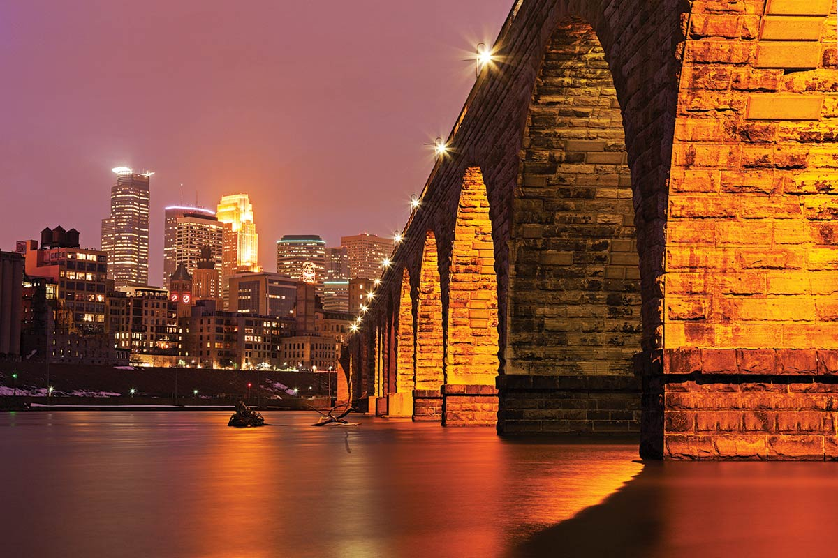 Downtown minneapolis pictured at night